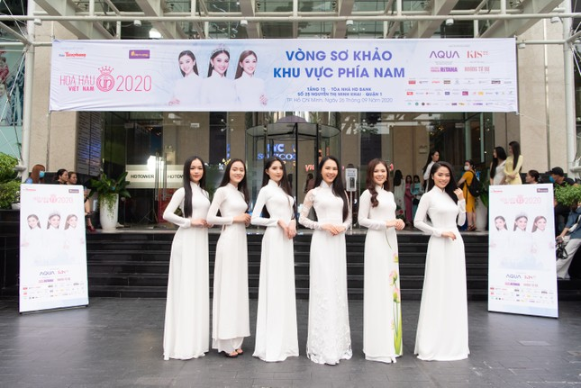 Vietjet đồng hành cùng Hoa hậu Việt Nam 2020 ghi dấu 'thập kỷ hương sắc' ảnh 4
