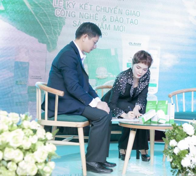 Mỹ phẩm OLAHAY ký kết chuyển giao công nghệ Hàn Quốc với Nhà máy Hanacos Việt Nam ảnh 1