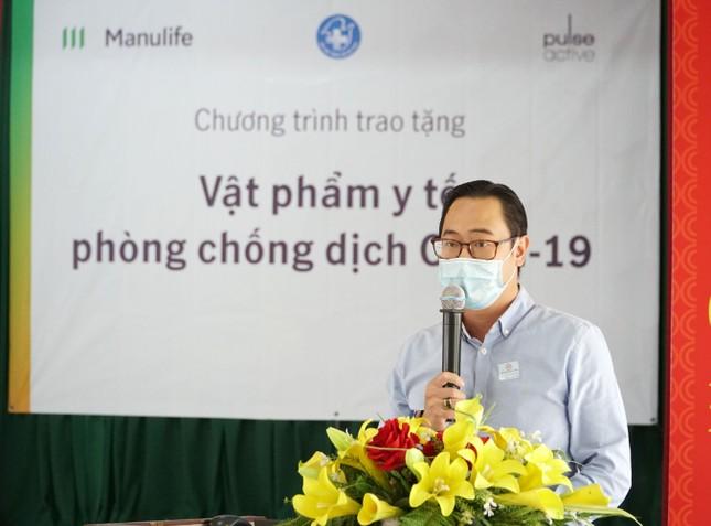 Manulife Việt Nam góp vật phẩm y tế cho chống dịch trị giá gần 3.5 tỷ ảnh 1