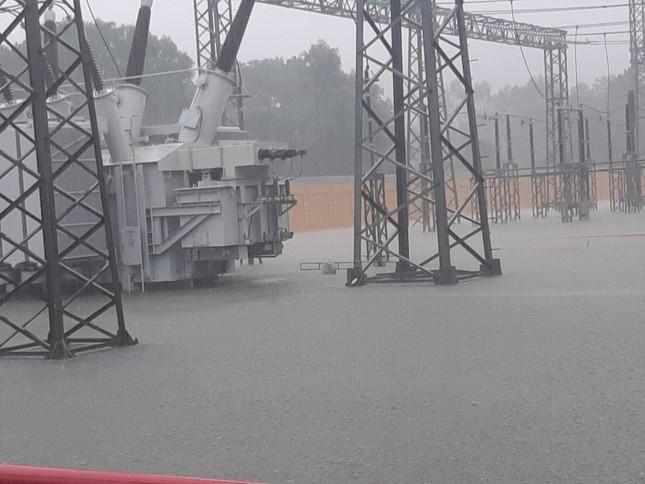 PTC2 đảm bảo vận hành an toàn lưới truyền tải điện trong mùa mưa lũ ảnh 1