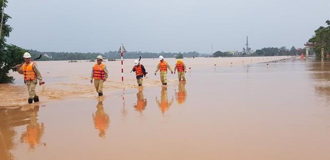 PTC2 đảm bảo vận hành an toàn lưới truyền tải điện trong mùa mưa lũ ảnh 4