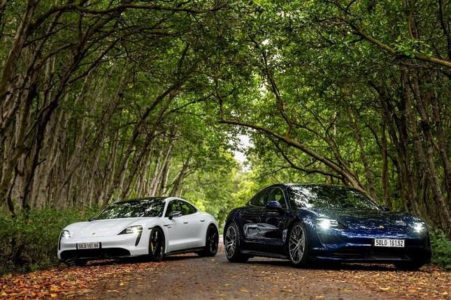 Porsche chính thức ra mắt dòng xe thể thao thuần điện cao cấp Taycan tại Việt Nam ảnh 3