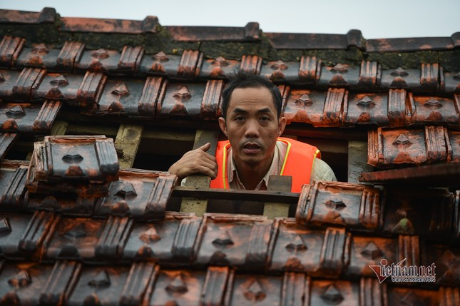 Lũ lớn lịch sử ở Quảng Bình, người dân leo nóc nhà chờ ứng cứu ảnh 4