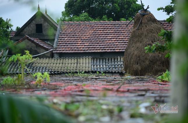 Lũ lớn lịch sử ở Quảng Bình, người dân leo nóc nhà chờ ứng cứu ảnh 9