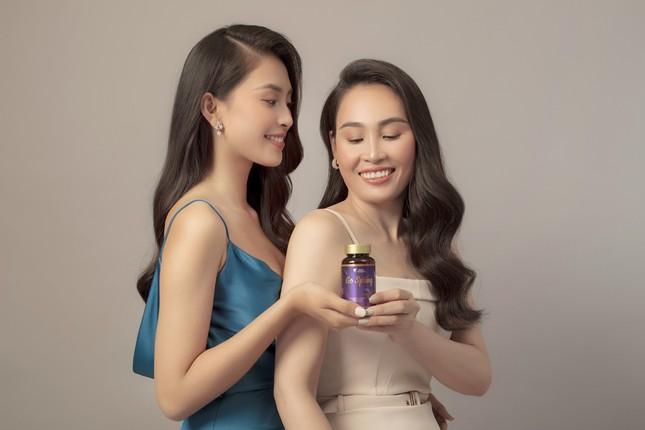Hoa hậu Tiểu Vy tặng mẹ món quà bất ngờ nhân dịp 20.10 ảnh 2