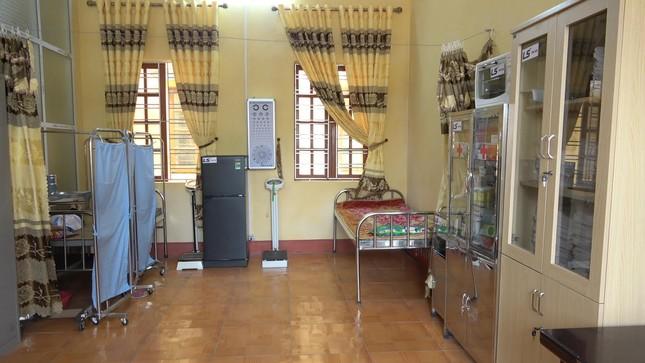 Tập đoàn LS Hàn Quốc tài trợ nâng cấp trang bị đồ dùng, vật phẩm y tế cho phòng y tế học ảnh 3