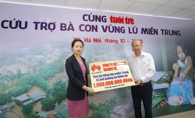 Huawei Việt Nam chung tay ủng hộ đồng bào miền Trung 1 tỷ ảnh 2