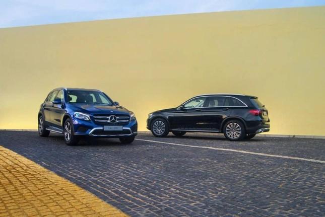 So sánh hai phiên bản Mercedes-Benz GLC 200 2018 và 2020 ảnh 1