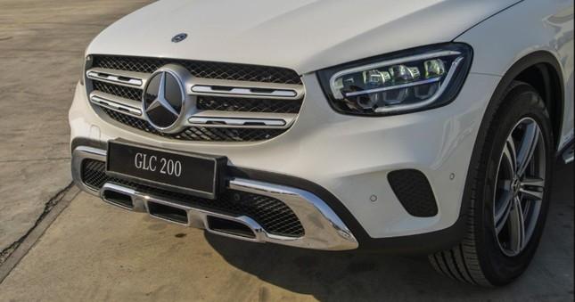 So sánh hai phiên bản Mercedes-Benz GLC 200 2018 và 2020 ảnh 2
