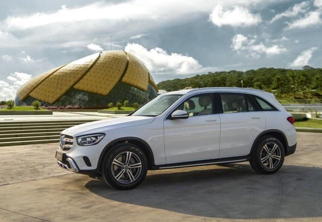 So sánh hai phiên bản Mercedes-Benz GLC 200 2018 và 2020 ảnh 4