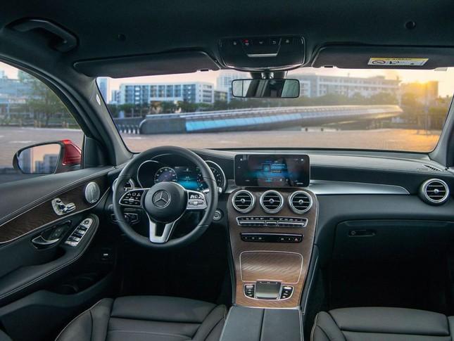 So sánh hai phiên bản Mercedes-Benz GLC 200 2018 và 2020 ảnh 8