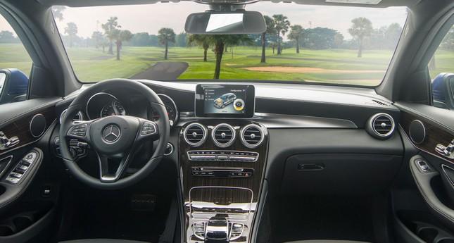 So sánh hai phiên bản Mercedes-Benz GLC 200 2018 và 2020 ảnh 9
