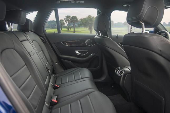 So sánh hai phiên bản Mercedes-Benz GLC 200 2018 và 2020 ảnh 11