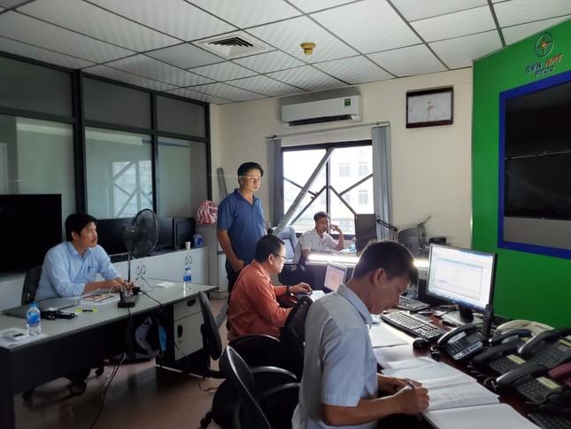 PTC2 nỗ lực đảm bảo vận hành lưới truyền tải trước sự tàn phá của bão số 9 ảnh 2
