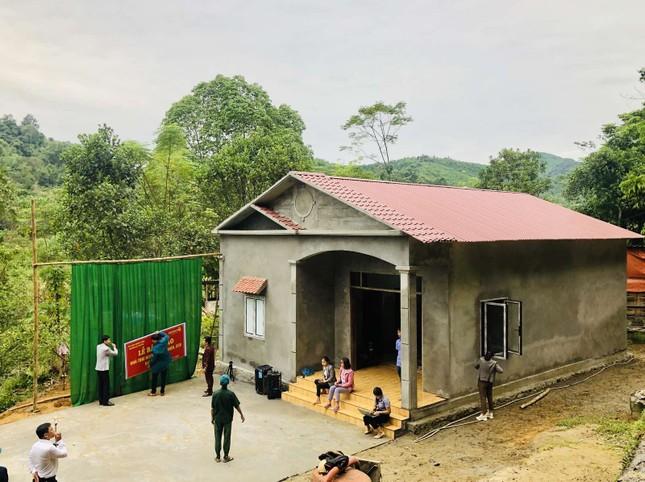 Căn nhà bê tông đầu tiên ở giữa rừng của vị cựu chiến binh người Tày ảnh 1