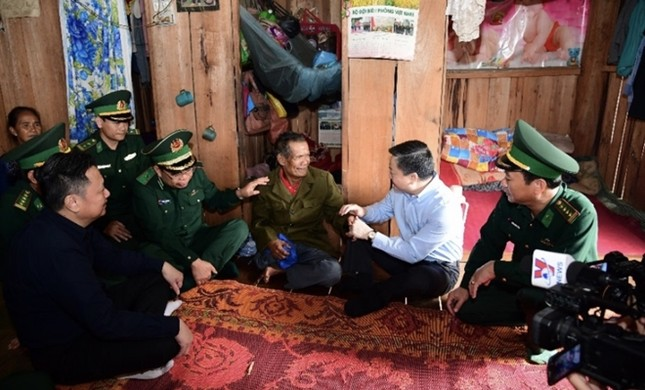 VietinBank hỗ trợ quân dân khu vực biên giới khắc phục thiệt hại do mưa lũ ảnh 2