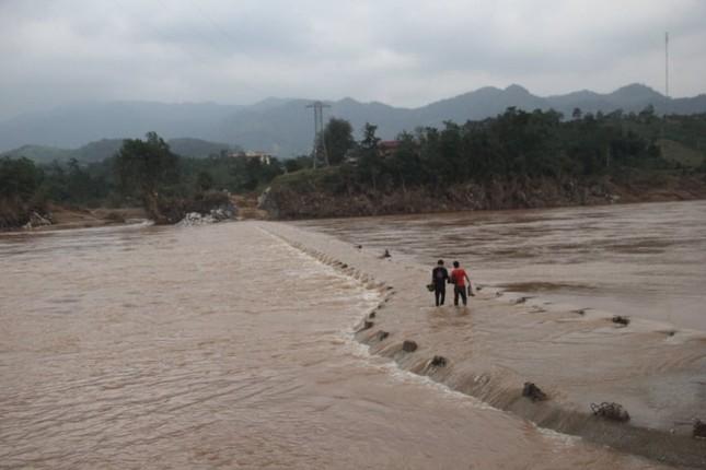 Quảng Trị cấm biển, sẵn sàng sơ tán 94.000 người dân trước bão số 13 ảnh 2
