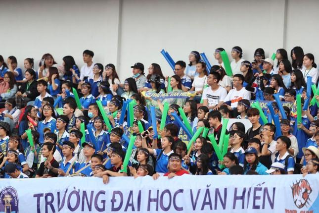 Sôi động những màn cổ vũ chỉ có tại giải bóng đá sinh viên SV-League 2020 ảnh 2