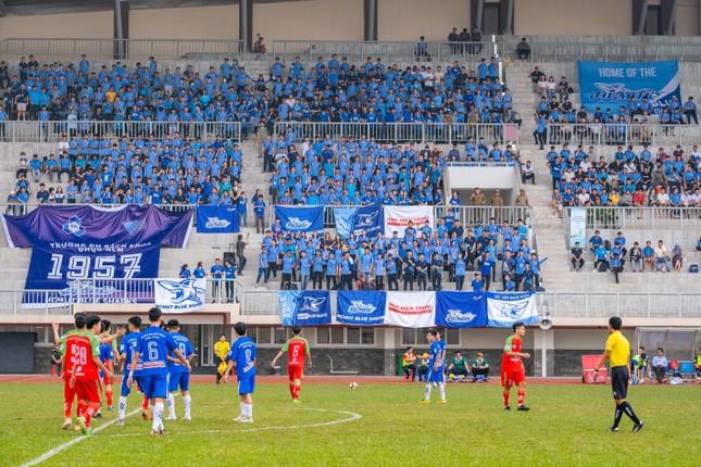 Sôi động những màn cổ vũ chỉ có tại giải bóng đá sinh viên SV-League 2020 ảnh 3