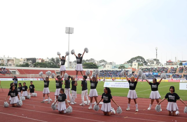 Sôi động những màn cổ vũ chỉ có tại giải bóng đá sinh viên SV-League 2020 ảnh 5