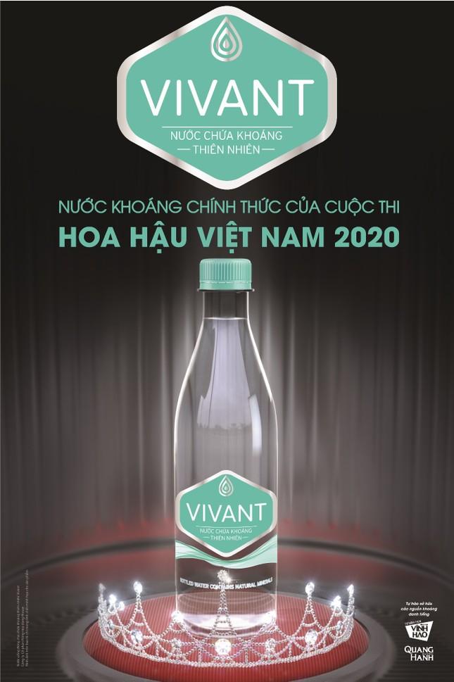 Danh tính 'chai đẹp' khiến bao nàng thí sinh HHVN 2020 xao xuyến! ảnh 4