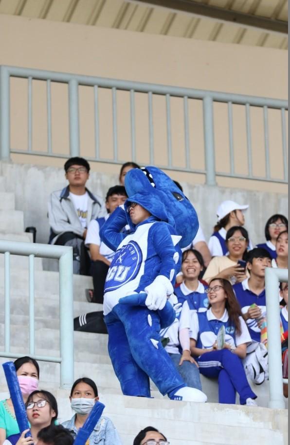 Sôi động những màn cổ vũ chỉ có tại giải bóng đá sinh viên SV-League 2020 ảnh 8