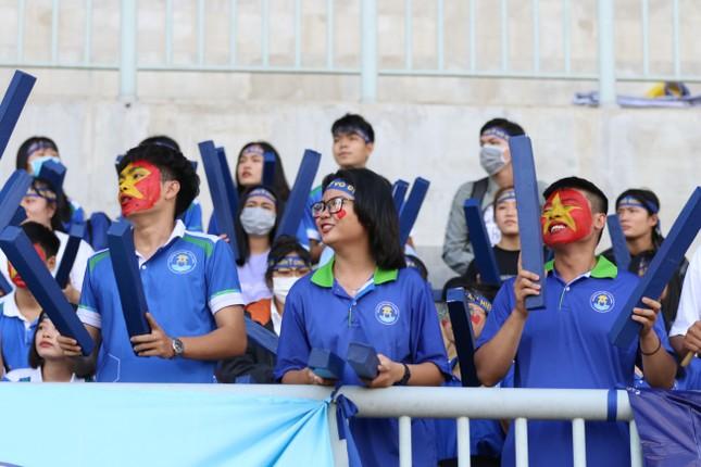 Sôi động những màn cổ vũ chỉ có tại giải bóng đá sinh viên SV-League 2020 ảnh 10