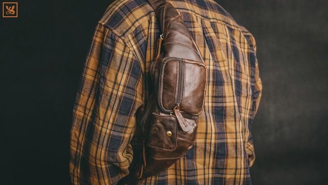 Diện đồ cool ngầu cực hút mắt với túi da Thành Vinh ảnh 8