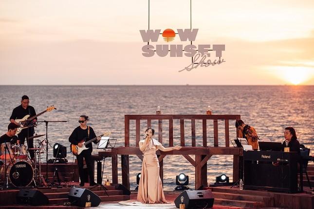 Mãn nhãn bữa tiệc âm nhạc ngắm hoàng hôn đẹp nhất Việt Nam ở Vinpearl Phú Quốc ảnh 3
