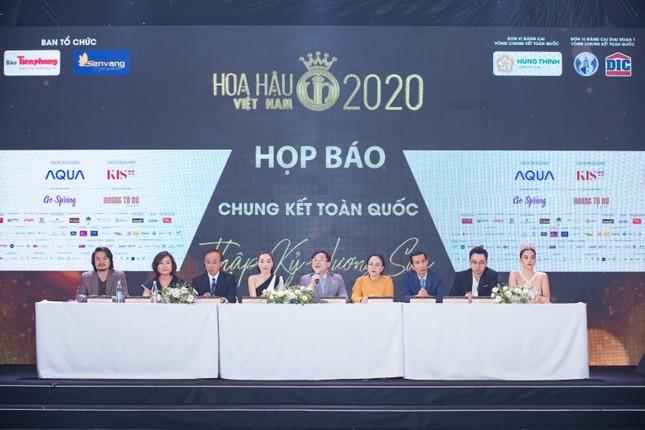 Mỹ phẩm KIS22 đồng hành cùng Hoa hậu Việt Nam 2020 trong buổi họp báo chung kết toàn quốc ảnh 1
