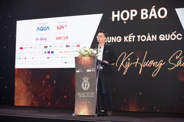 Mỹ phẩm KIS22 đồng hành cùng Hoa hậu Việt Nam 2020 trong buổi họp báo chung kết toàn quốc ảnh 2