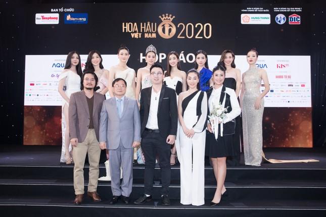 Mỹ phẩm KIS22 đồng hành cùng Hoa hậu Việt Nam 2020 trong buổi họp báo chung kết toàn quốc ảnh 3