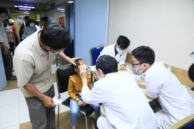 Tiếp nối chương trình vì miền Trung, Điện Máy Xanh mang 'Tết sớm' đến trẻ em hở hàm ếch ảnh 3