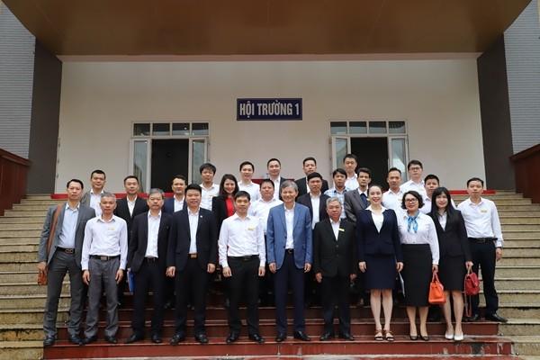 Tổng Giám đốc EVN và lãnh đạo EVNNPC thăm, chúc mừng các đơn vị đào tạo ảnh 1