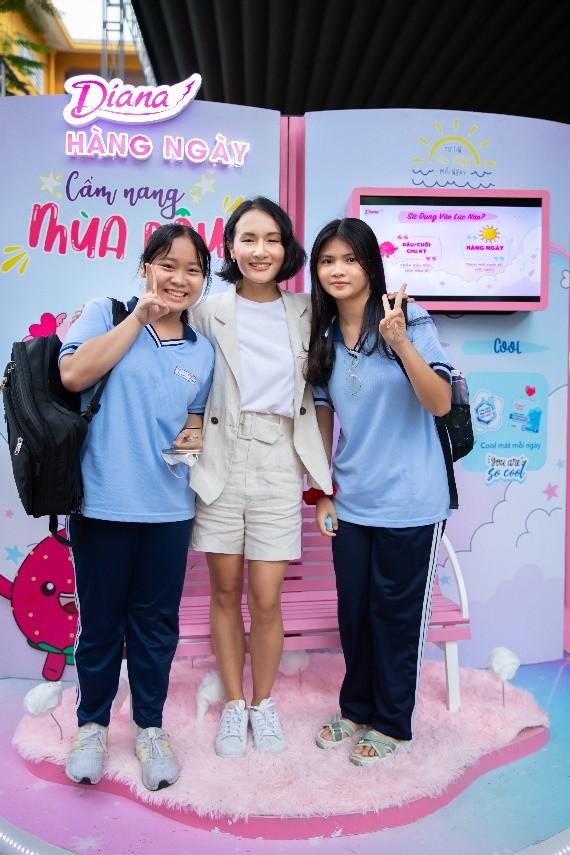 Diana cùng Giang Ơi thực hiện chuỗi sự kiện tâm tình tuổi dậy thì tại trường học ảnh 3