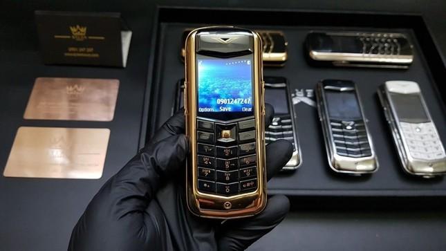 Vertu và hành trình 22 năm thăng trầm của đế chế điện thoại đắt đỏ nhất hành tinh ảnh 3