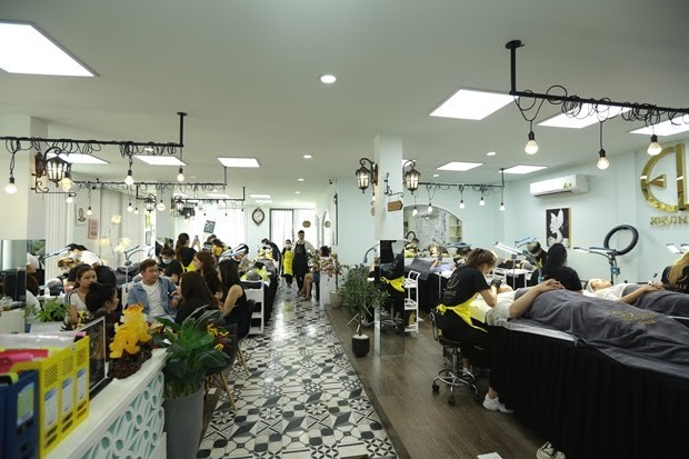 Kevin Le Beauty Center – Học viện của những nghệ nhân điêu khắc chân mày bậc nhất ảnh 3