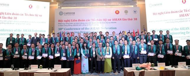 Tổng công ty Điện lực TPHCM: Thêm 44 kỹ sư chuyên nghiệp ASEAN ảnh 1