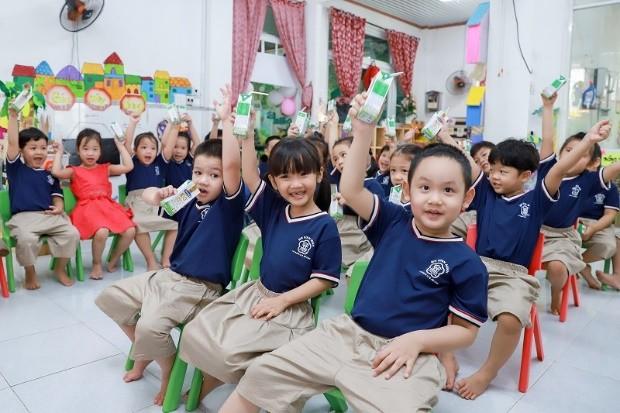 Vinamilk vững vàng vị trí dẫn đầu top 100 doanh nghiệp bền vững Việt Nam năm 2020 ảnh 7
