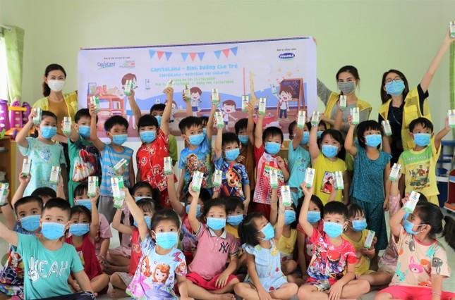 CapitaLand trao tặng hơn 64,000 ly sữa cho trẻ mầm non và tiểu học ảnh 1