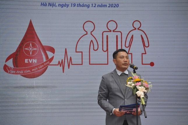 Gần 600 đơn vị máu được hiến tại 'Tuần lễ hồng EVNHANOI năm 2020' ảnh 1