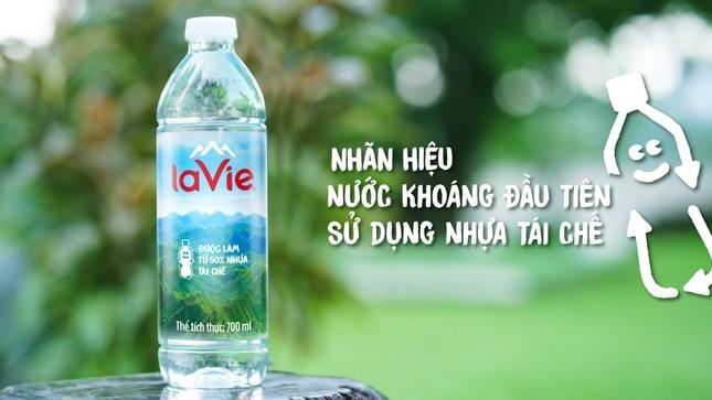 Nước khoáng La Vie dùng chai nhựa tái chế, thúc đẩy kinh tế tuần hoàn ảnh 1