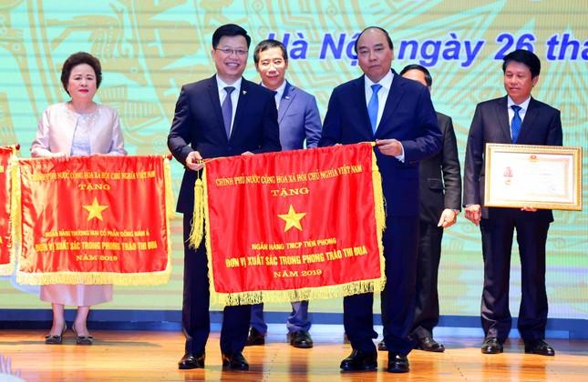 TPBank vinh dự đón nhận cờ thi đua của Chính phủ ảnh 1