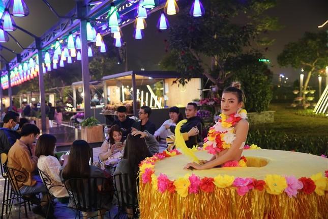 Du lịch Hạ Long hấp dẫn về đêm với khu phố ẩm thực mới rộng 5,4ha ảnh 1