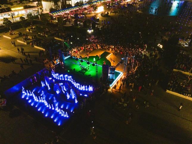 Du lịch Hạ Long hấp dẫn về đêm với khu phố ẩm thực mới rộng 5,4ha ảnh 5
