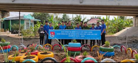 Đội tuyên truyền viên bảo vệ môi trường xã Hòa Hải, huyện Hương Khê, tỉnh Hà Tĩnh ảnh 1