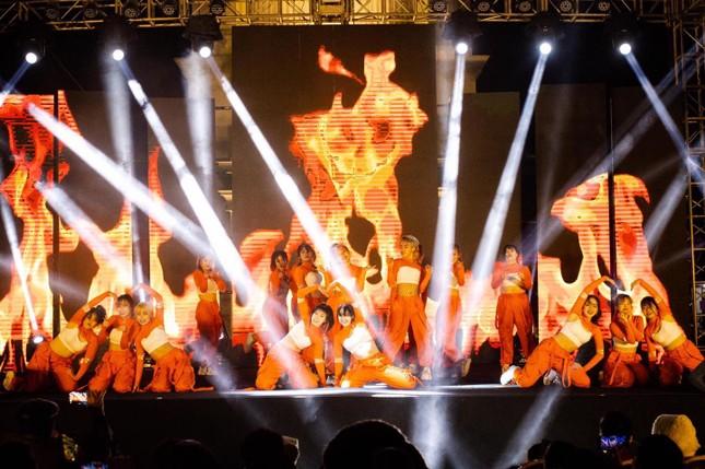 Dance cover Danko City: Bùng cháy với các vũ điệu Kpop cùng Cường seven ảnh 10