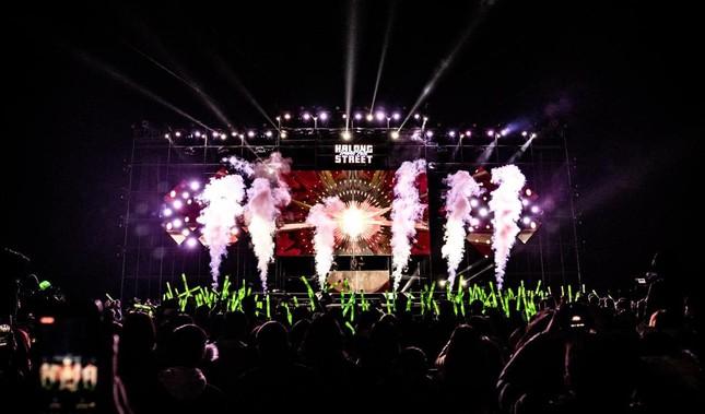Đại nhạc hội RAP 'chào 2021' xua tan giá rét kỷ lục ở Hạ Long ảnh 2