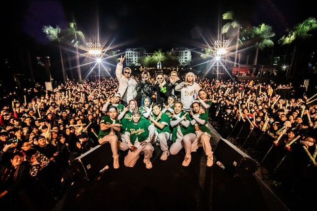 Đại nhạc hội RAP 'chào 2021' xua tan giá rét kỷ lục ở Hạ Long ảnh 8