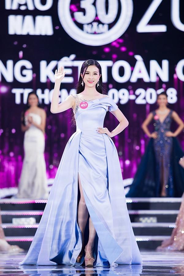 Dàn hoa hậu, á hậu Việt Nam 'đem chuông đi đánh xứ người' ảnh 10